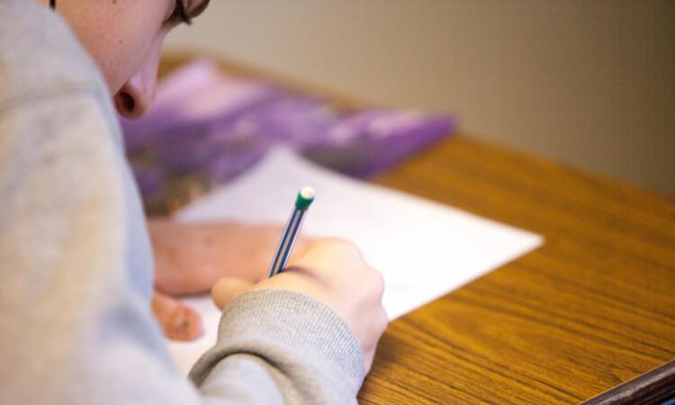 Как помочь ребенку с дислексией дома — 10 простых советов